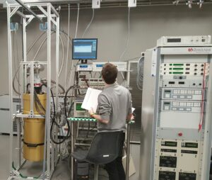 He3 and Pulse Tube Customized Cryostat